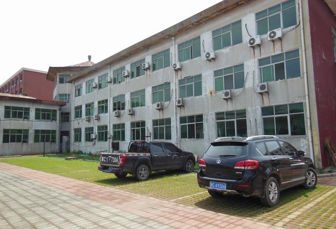 于近期拍卖位于河北省秦皇岛市南戴河宁海道的某中央企业南戴河疗养院
